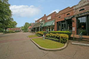 Collierville Main St